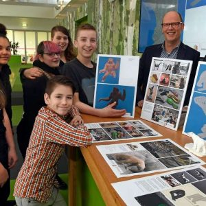 Leerlingen PRO Emmen overhandigen ontwerpideeën voor nieuwe kunstwerken